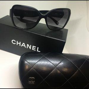 Chanel Oversize Signature Style CC Logo Sunglasses